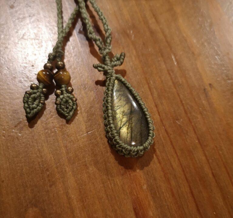 Biżuteria wykonana w pracowni Lui Nui