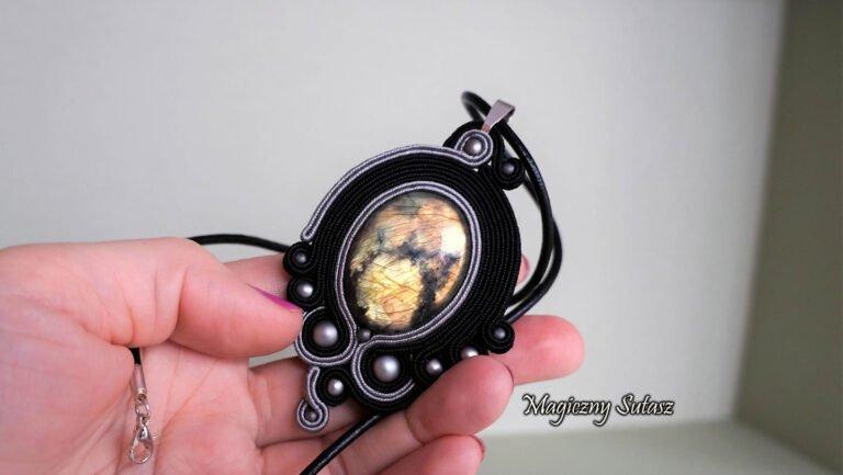 Biżuteria stworzona w pracowni Magiczny Sutasz
