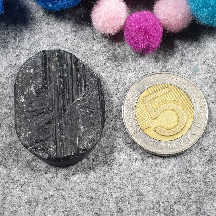 Czarny turmalin, owal, plaster- sklep kamolce.pl