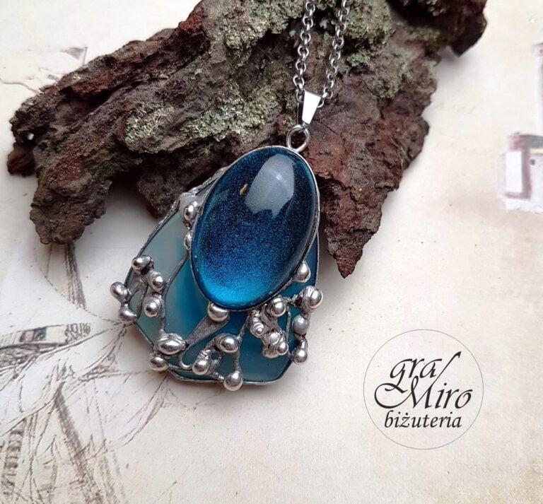 Wisior wykonany w pracowni GraMiro Biżuteria