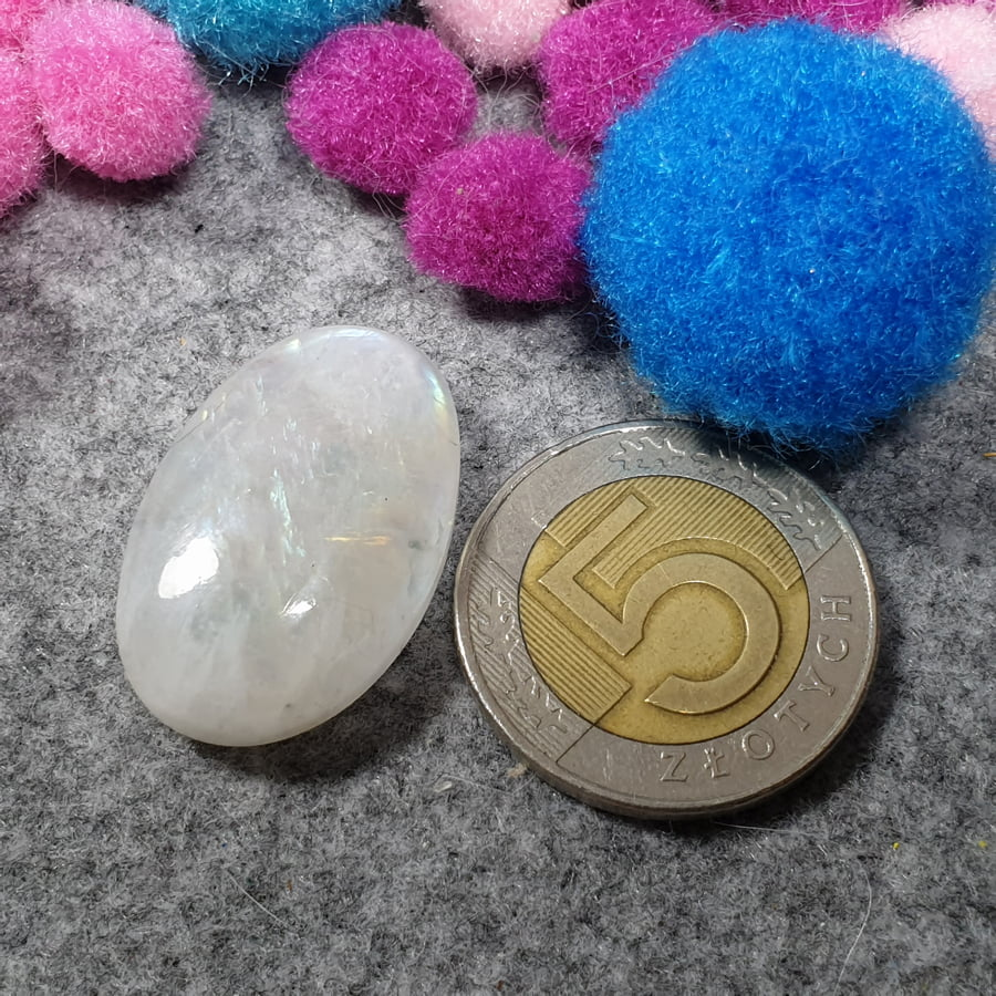 Tęczowy kamień księżycowy, owal, kaboszon - sklep kamolce.pl